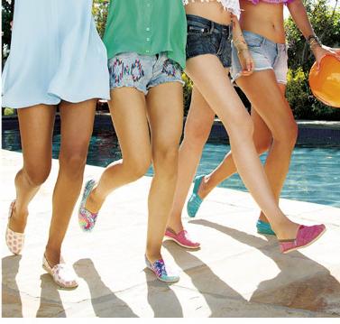 Skechers 斯凯奇 女式BOBS系列 亮面帆布休闲鞋 733997 109元(169-60)