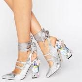 【小脚福利!】ASOS PETROLEUM 银色贴花绑带粗跟高跟鞋 $58(约420元)