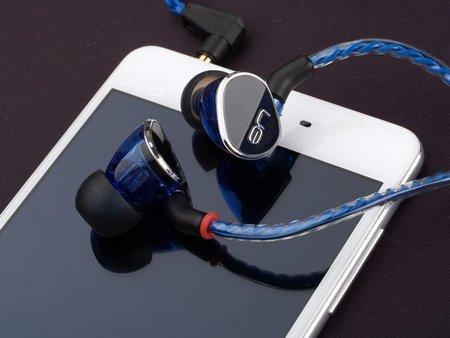 罗技(Logitech) UE900s 四单元动铁耳塞入耳式耳机 真实听感 ¥1090