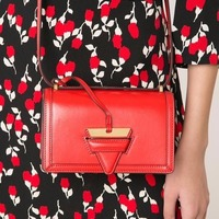 $1183 Loewe Barcelona 尖头斜挎包 经典红色
