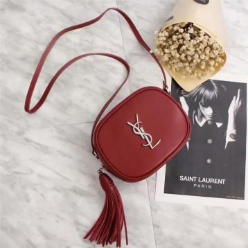 SSENSE年终大促折扣触底! Saint Laurent Red Monogram Blogger Bag圣罗兰 女士真皮流苏单肩包 8折 直邮中国 USD$796(¥4935)