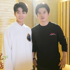 王俊凯同款 Acne Studios 白色卫衣