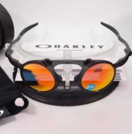 大差价!Oakley 欧克利 Madman OO6019-04 偏光太阳镜  100美元约¥720(天猫2522元)