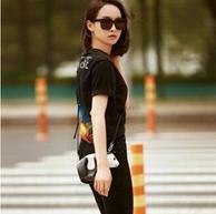 女明星人手一只, Loewe 经典Mini Panda熊猫包  831美元约¥5407(原价1170美元)
