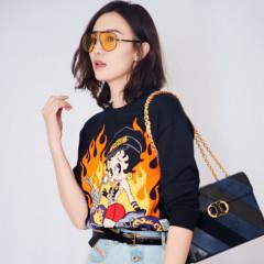 宋佳、刘雯同款 MOSCHINO Betty Boop骑士套头衫
