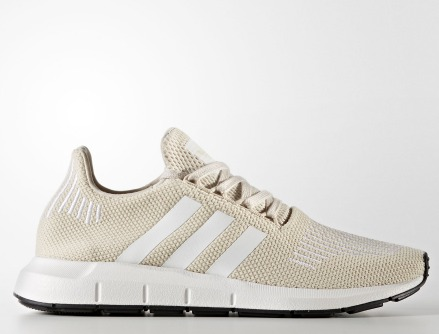 折合167.93元 大码福利!Adidas 阿迪达斯 Swift Run 女款休闲运动鞋