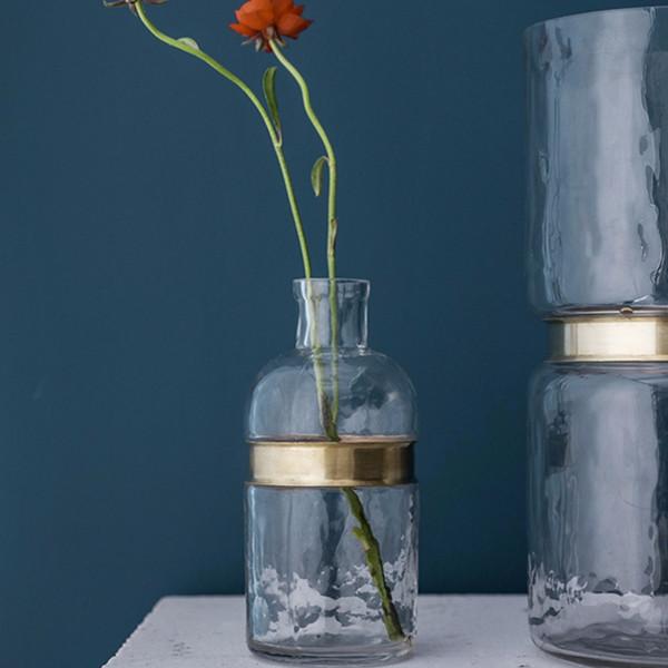 简约艺术!网易严选手工吹制金属束边玻璃窄口花瓶 限时抢购价48元
