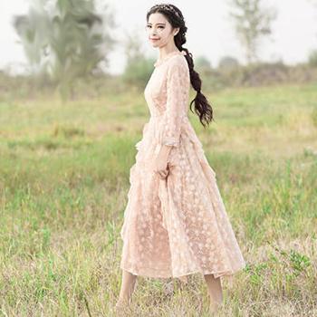 当当网商城 烟花烫 2018春新款女装修身蕾丝绣花长袖中长款连衣裙198.9元包邮(尺码齐全)