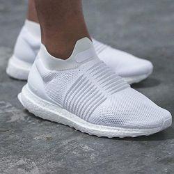 历史新低: adidas 阿迪达斯 ULTRA BOOST LACELESS 男款潮流跑鞋 $112.46+$7.95美境运费(需用码,约¥850)